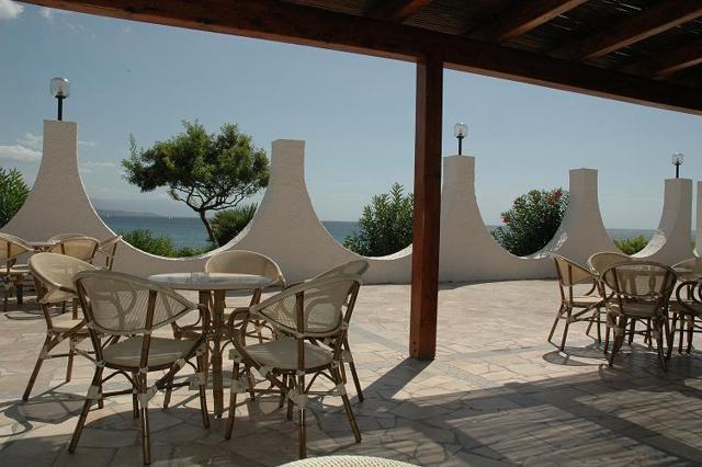 vakantie sardinie aan zee - hotel punta negra in alghero (1).jpg