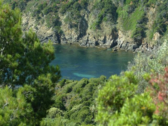 chia - vakantiehuisjes aan zee - sardinie (4).jpg