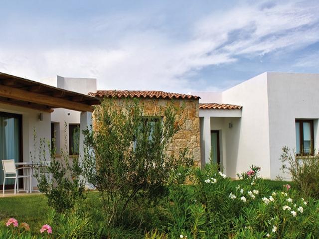 vakantie appartementen sardinie in grande baia resort.jpg