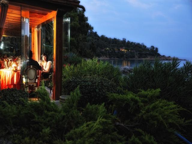 restaurant met zeezicht in hotel la bitta - sardinie.jpg