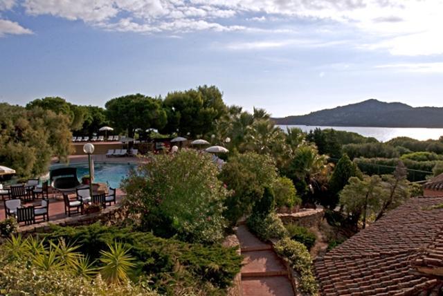 sardinie - hotel aan zee - ginestre porto cervo (2).jpg
