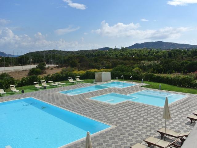 sardinie - resort grande baia - kamers en appartementen san teodoro.jpg
