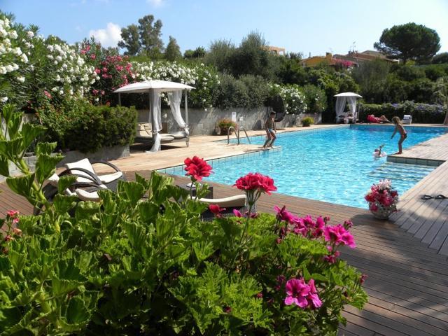 hotel albaruja - hotel sardinie aan zee - sardinia4all (1).jpg