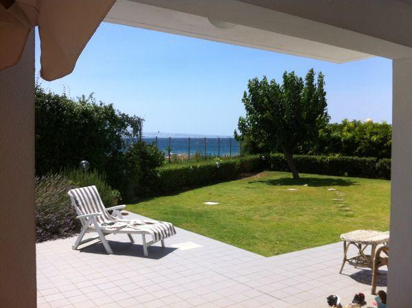 vakantiehuis sardinie met zwembad aan zee (4).jpg
