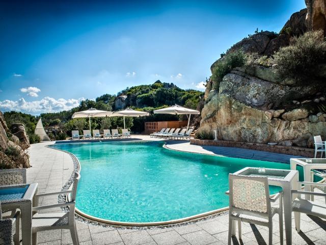hotel la maddalena eiland - ma en ma resort - sardinie (2).jpg