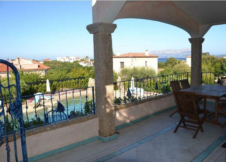 vakantiehuis sardinie aan zee en met zwembad- sardinia4all (3).jpg