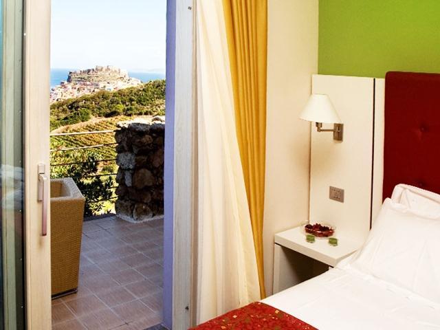 overnachten-in-castelsardo-sardinie-hotel-bajaloglia (4).jpg