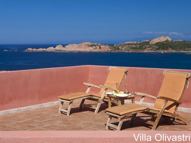 villa-sardinie-torreruja-isola-rossa-olivastri-05 (3).png