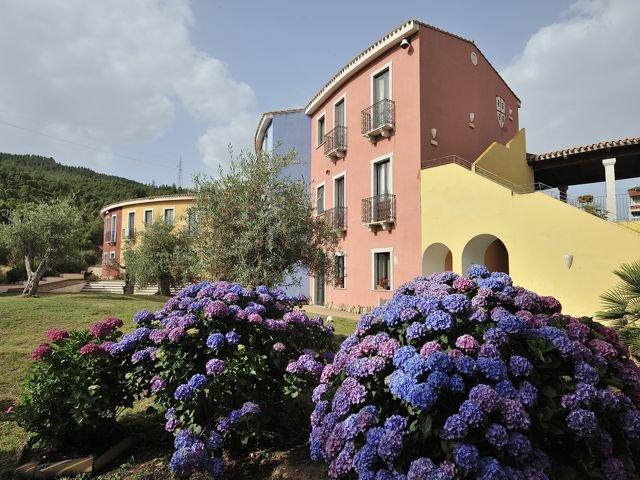 sardinie-orlando-resort (1).jpg