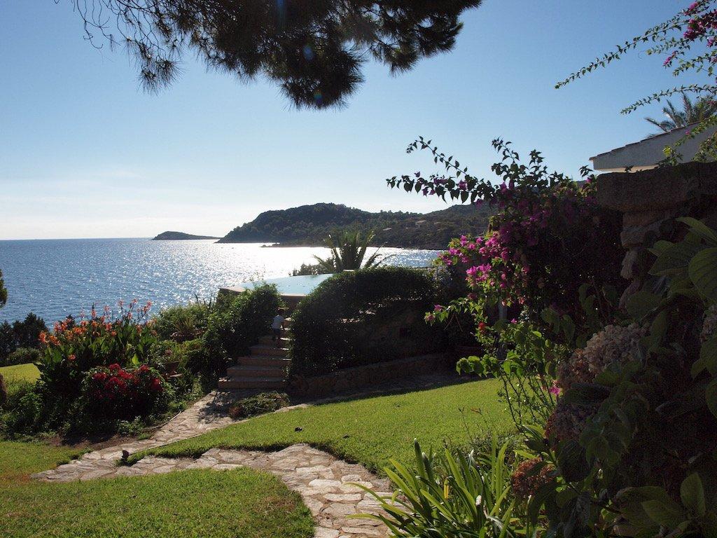 luxe-huis-aan-zee-sardinie (1).jpg