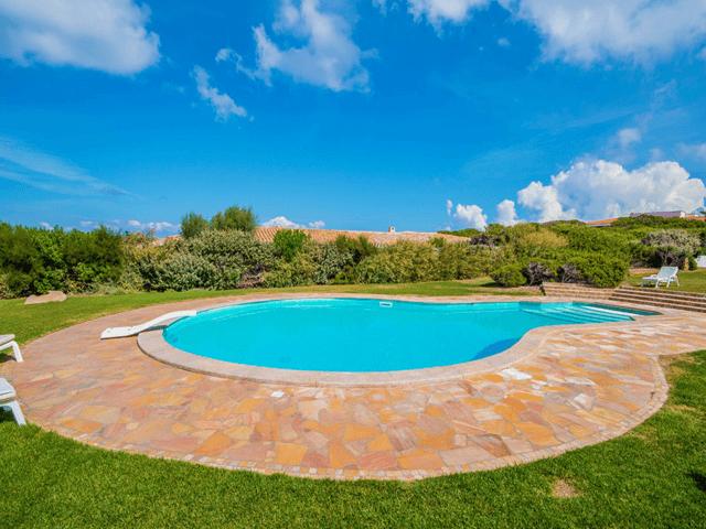 luxe vakantiehuis noord sardinie met zwembad - sardinia4all (10).png