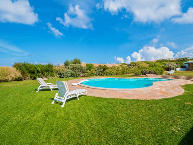 luxe vakantiehuis noord sardinie met zwembad - sardinia4all (9).png