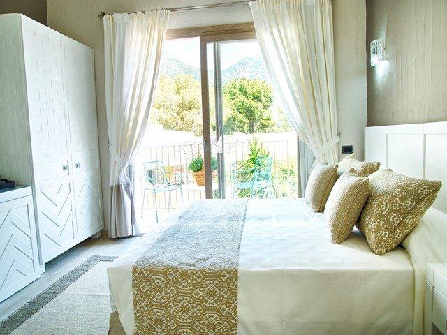 eliantos hotel - deluxe kamer - sardinia4all (4).jpg