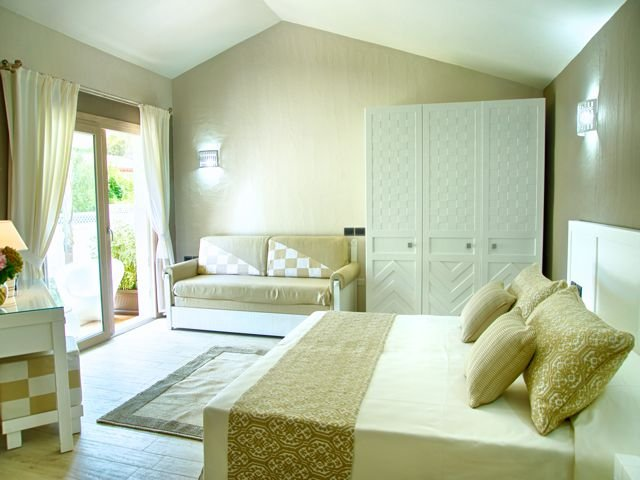 suite-in-boutique-hotel-eliantos-sardinie (1).jpg