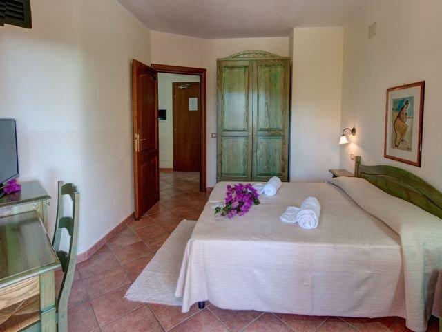 family comfort - hotel i ginepri - cala gonone (1).jpg