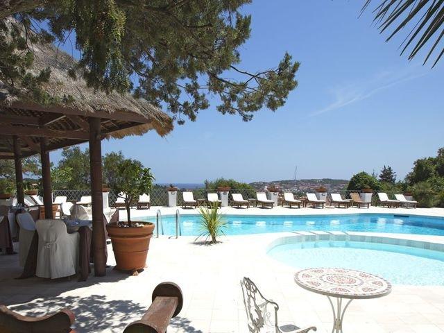 hotel-porto-cervo-sardinie.jpg