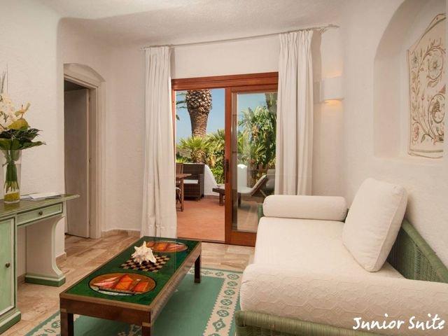 hotel-porto-cervo-balocco-junior-suite4.jpg