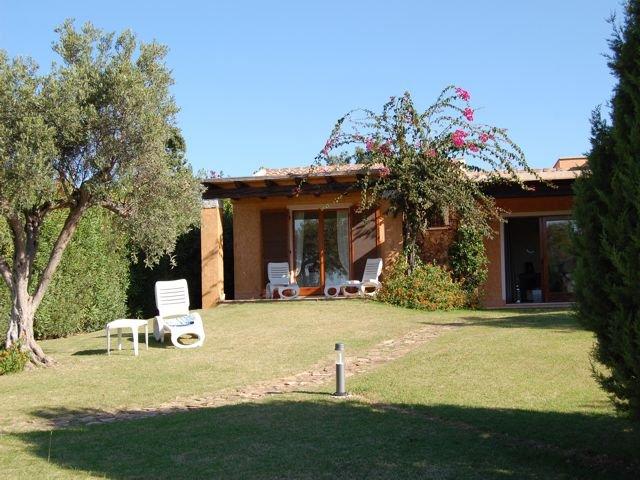 vakantiehuis sardinie - villa baia chia - villas sardinia (2).jpg