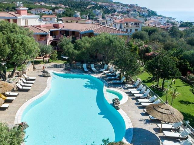 club-hotel-residence-i-ginepri-cala-gonone-sardinien.jpg