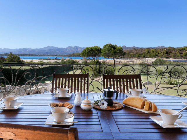 vakantiehuis met zwembad op sardinie - villa capo coda cavallo (7).png