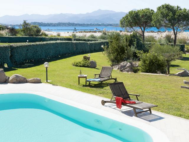vakantiehuis met zwembad op sardinie - villa capo coda cavallo (29).png