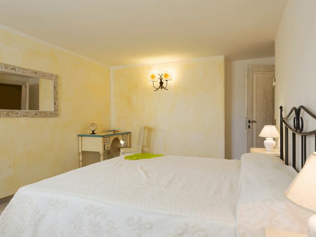vakantiehuis met zwembad op sardinie - villa capo coda cavallo (38).png