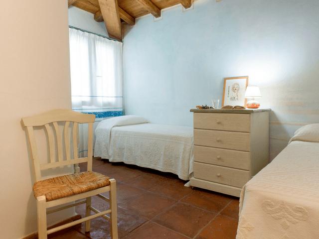 vakantiehuis met zwembad op sardinie - villa capo coda cavallo (19).png