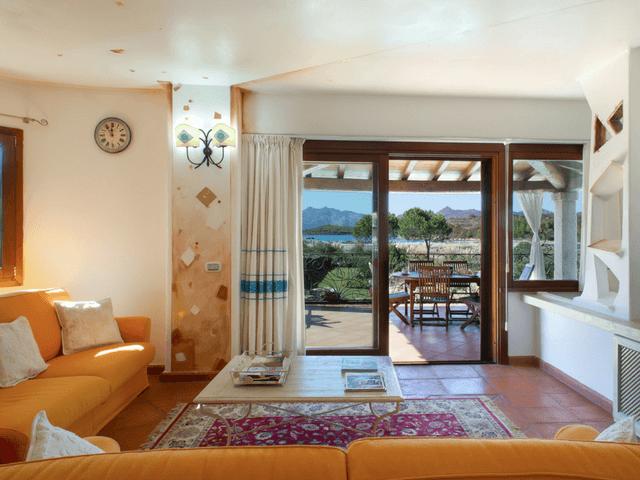 vakantiehuis met zwembad op sardinie - villa capo coda cavallo (13).png