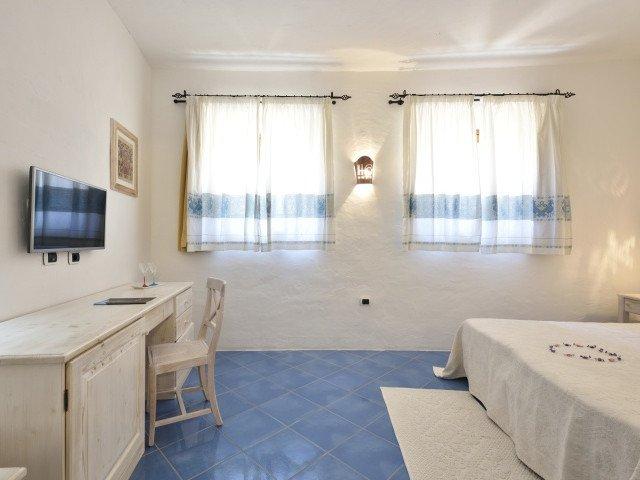 orlando resort superior 2.jpg