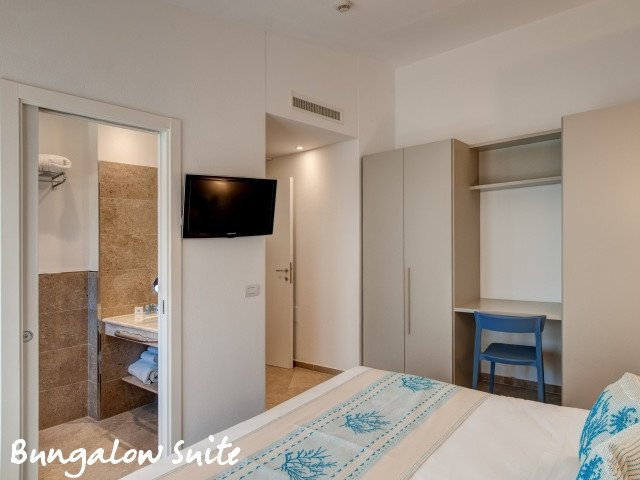 hotel cormoran bungalow suite 7.jpg