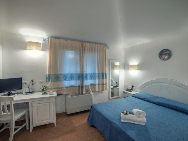 garden-beach-hotel-cala-sinzias-sardinie (4).jpg