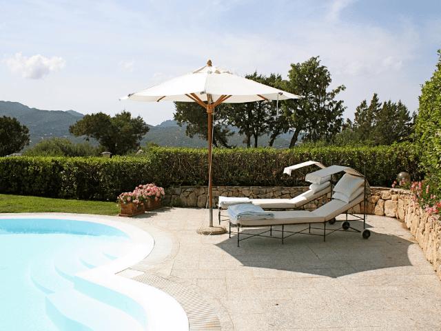 vakantiehuis-porto-rotondo-sardinie-met-zwembad (3).png