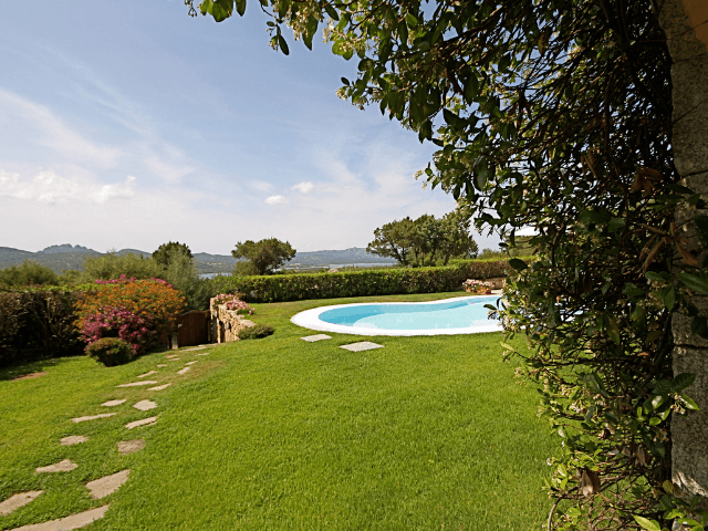 vakantiehuis-porto-rotondo-sardinie-met-zwembad (22).png
