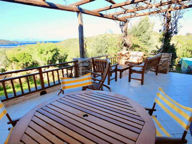 la villamore monte petrosu meerblickvilla mit pool sardinien (7).png