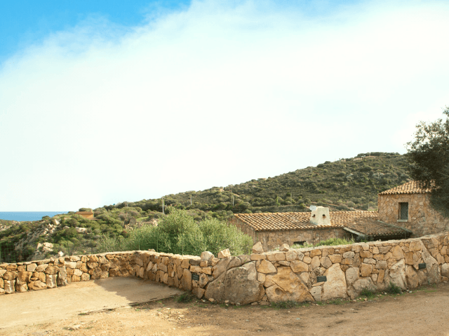 casa le rocce sarde sardinien (18).png