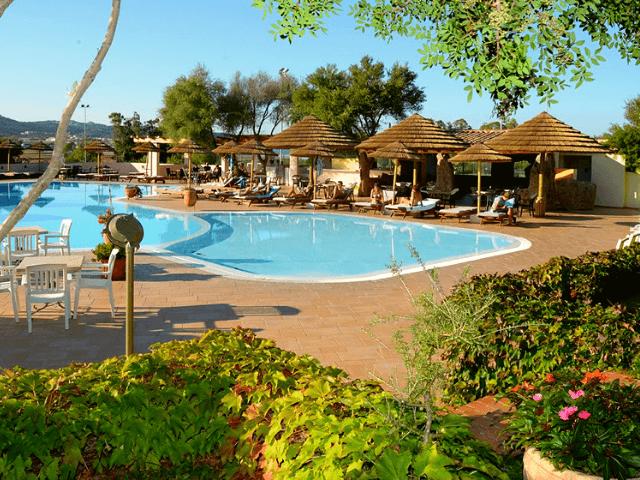 hotel airone baia sardinia cannigione sardinien (8).png