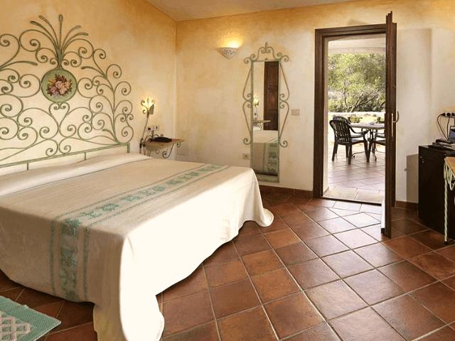 hotel airone baia sardinia cannigione sardinien (3).png
