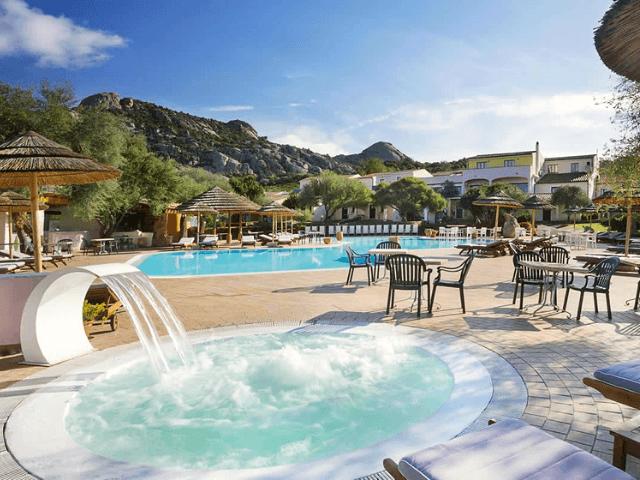 hotel airone baia sardinia cannigione sardinien (2).png