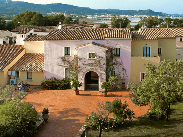 hotel airone baia sardinia cannigione sardinien (6).png