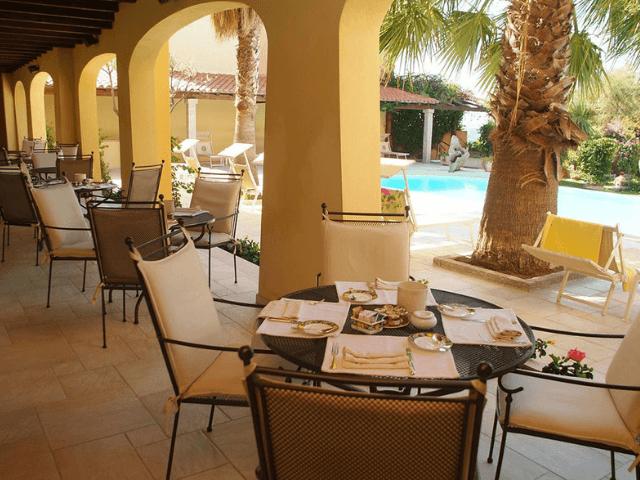 hotel villa margherita - golfo aranci -sardinie (6).png