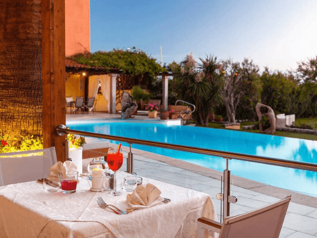 hotel villa margherita - golfo aranci -sardinie (7).png