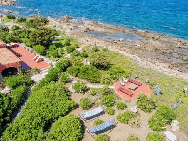 villa magica mare e rocce olbia pittulongu direkt am meer  sardinien (2).png