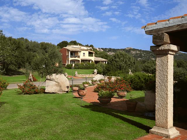 parco degli ulivi sardinien hotel garden (2).png