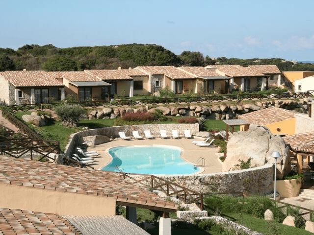 punta falcone anlage appartements mit pool santa teresa gallura sardinien (3).png