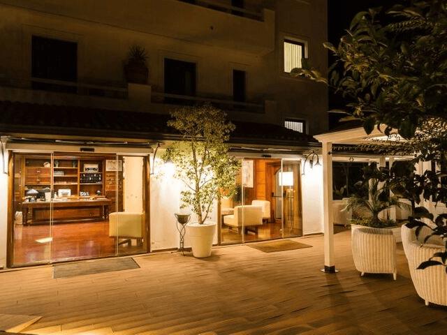 strand hotel mediterraneo santa maria navarrese sardinien.png