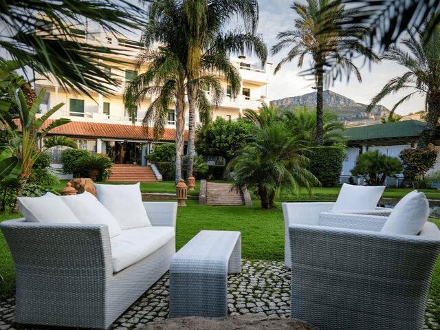 strand hotel mediterraneo santa maria navarrese sardinien (23).png