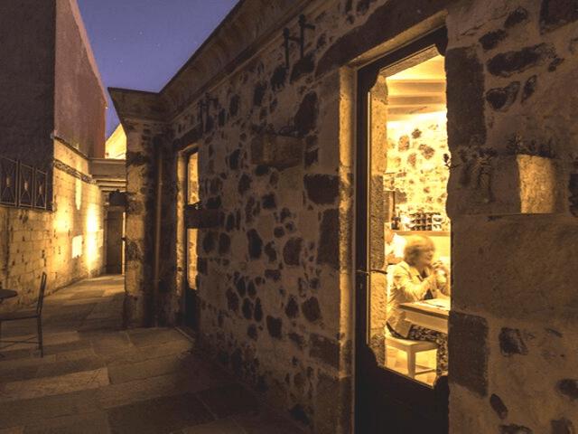 maison tresnuraghes boutique hotel westküste sardinien (2).png