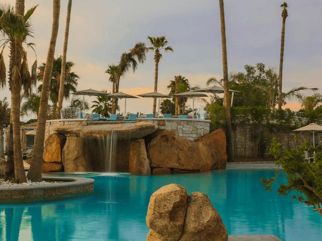 club-hotel-sardinien-am-strand