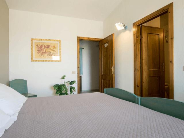 s enis monte maccione hotel oliena sardinia4all - sardinien (4).png