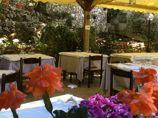 s enis monte maccione hotel oliena sardinia4all - sardinien (10).png